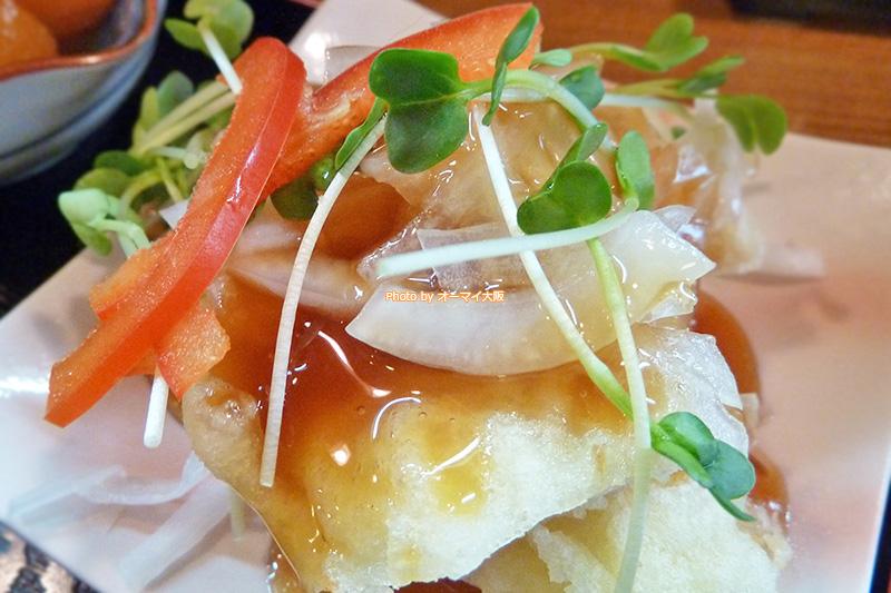 トンカツ「すえ広」の白身魚のフライです。
