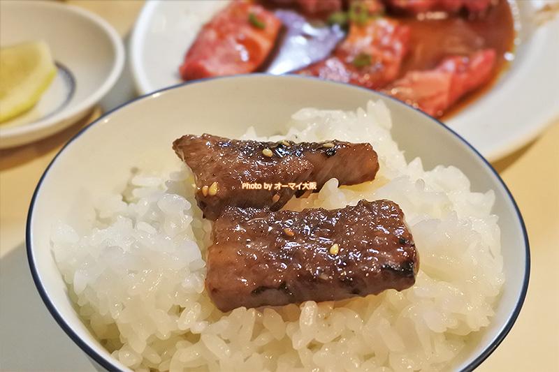 古き良き焼肉店「さつま」のカルビは脂身のおいしさをしっかりと味わえます。
