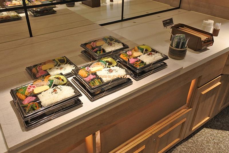 新型コロナウイルスの影響で「スーパーホテル梅田肥後橋」の朝食が弁当に変更されました。
