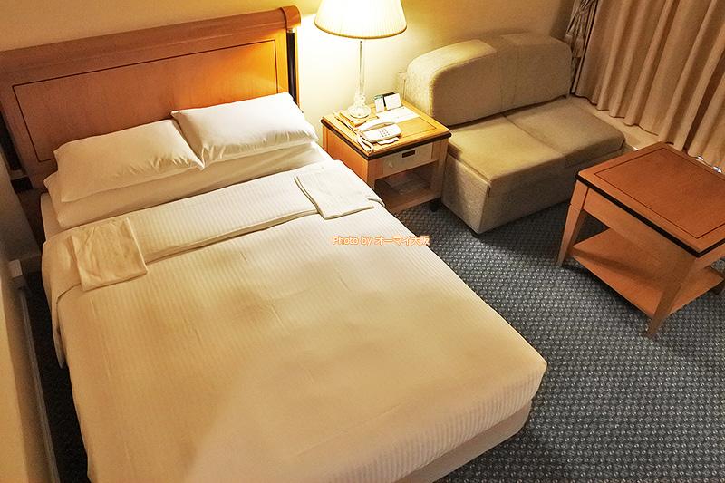 ベッドも広く、スーペリアフロアのダブルルームなら、のんびりと過ごすことができます。