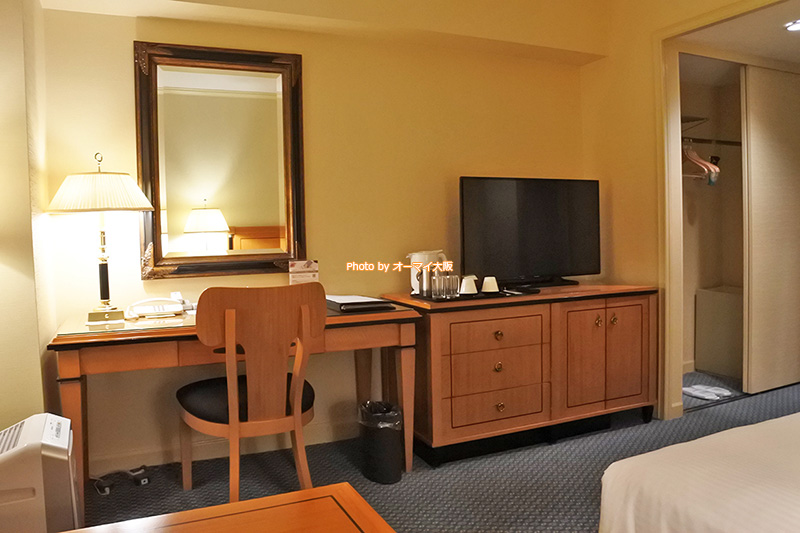 大阪の老舗ホテル「リーガロイヤルホテル大阪」のスーペリアフロアは、客室が広く、ゆったりとした空間を自由に使うことができます。