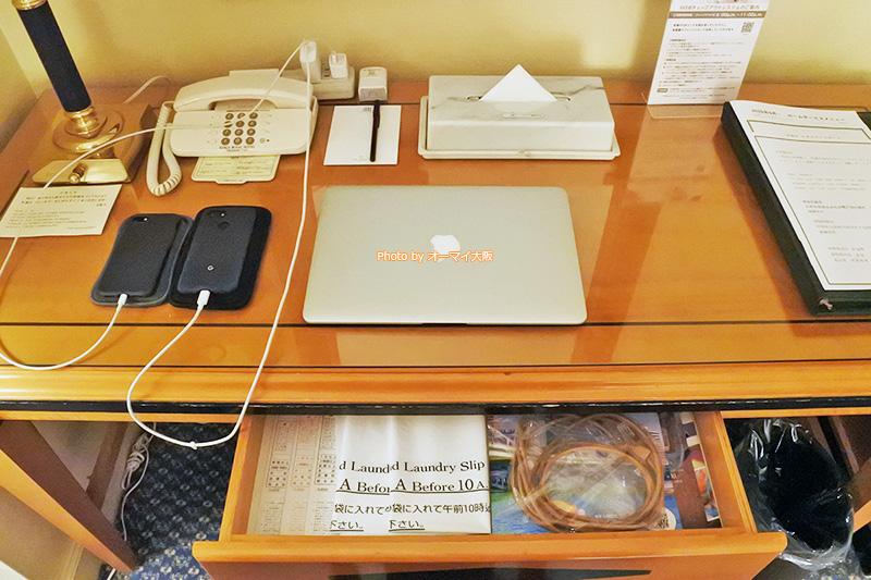 世界中から宿泊客が集まる「リーガロイヤルホテル大阪」は、無線でも有線でもインターネットに接続できます。