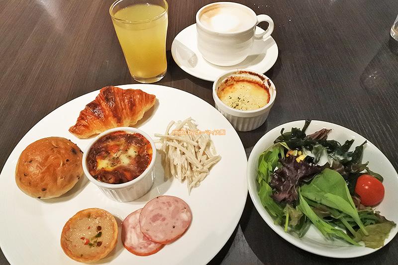 いろいろなメニューを楽しめる食べ放題の醍醐味が詰まったレストラン「リモネ」の夕食ビュッフェです。