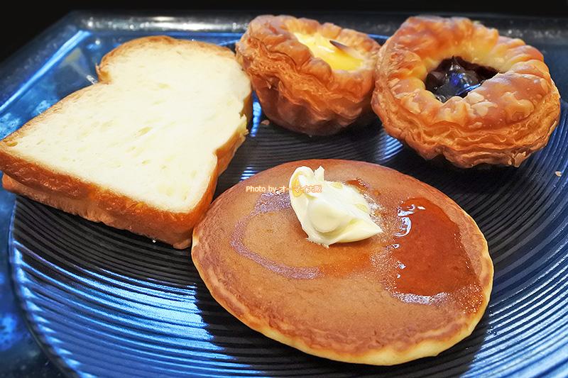 レストラン「リモネ」は、パンの種類が多く、女性に喜ばれる朝食ビュッフェのメニューがそろっています。