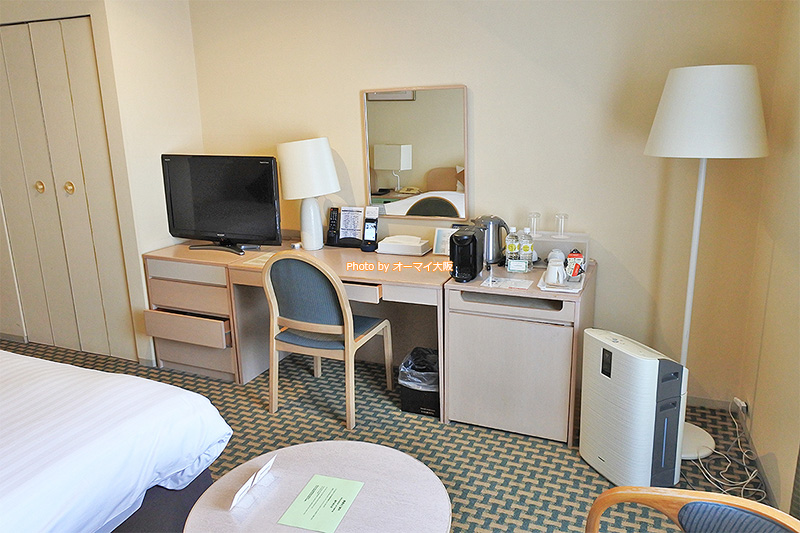 宿泊した「天王寺都ホテル」は、コーヒーやミネラルウォーターをはじめ、アメニティが充実していました。