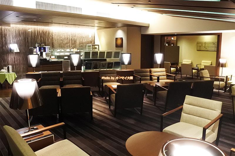 グランヴィアフロアの専用ラウンジは上質なサービスと広いスペースが大きな魅力です。
