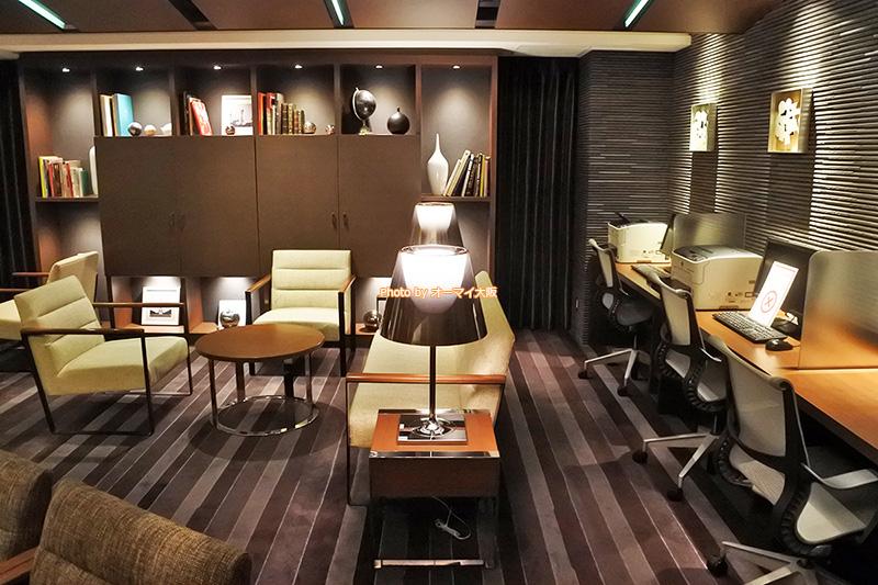 上質なサービスが人気のホテル「ホテルグランヴィア大阪」はチェックアウト後も専用ラウンジを利用できます。
