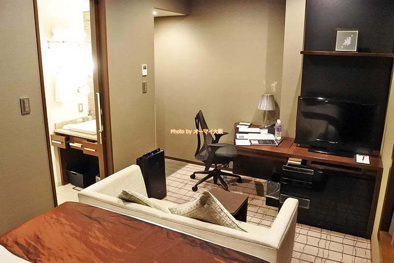 ゆっくりとくつろげるプラシードダブルは「ホテルグランヴィア大阪」が誇る最上階のグランヴィアフロアにふさわしい客室です。