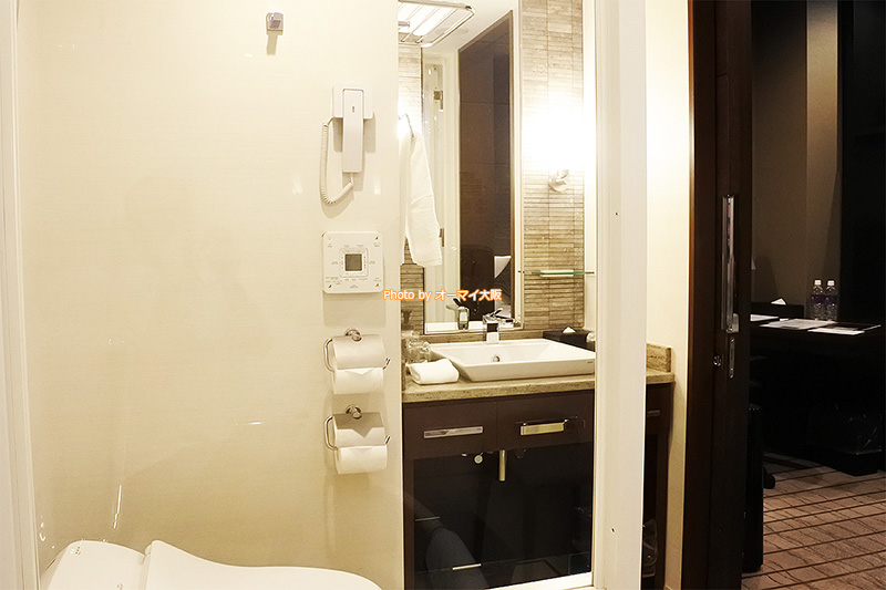 最上階のプラシードダブルは「ホテルグランヴィア大阪」のこだわりが詰まった、使いやすいバスルームでした。