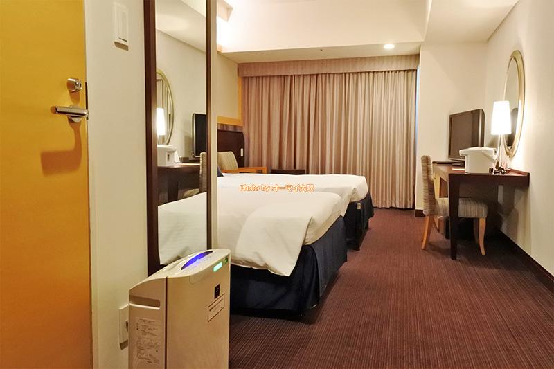 宿泊した「ホテル京阪ユニバーサルタワー」のスタンダードツインルームです。