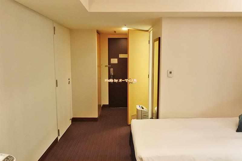 USJオフィシャルホテル「ホテル京阪ユニバーサルタワー」のスタンダードツインルームは広くて使いやすい客室です。