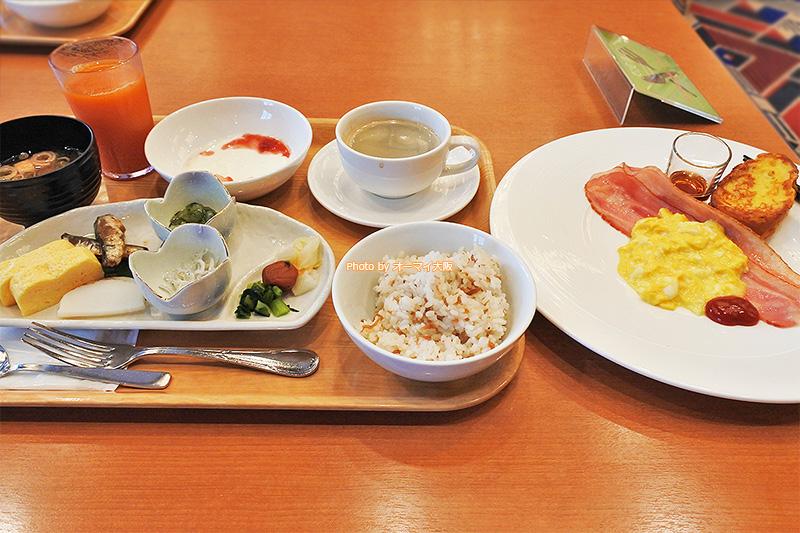 洋食の朝食をいただいたあと、和食の朝食もいただきました。