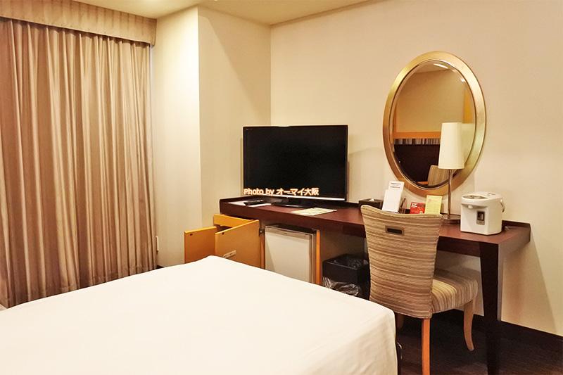 広くてゆったりしている「ホテル京阪ユニバーサルタワー」のスタンダードツインルームです。