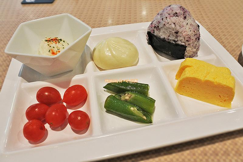 朝食ブッフェは洋食だけでなく、和食も充実しています。