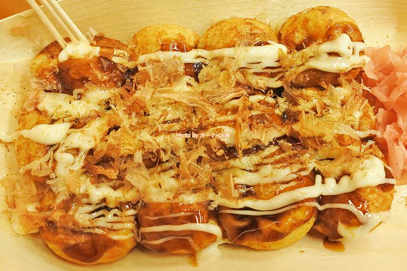 たこ焼き「浪花屋(なにわや)」で安定した人気を誇るソースマヨ味。みんな大好きなたこ焼きです。