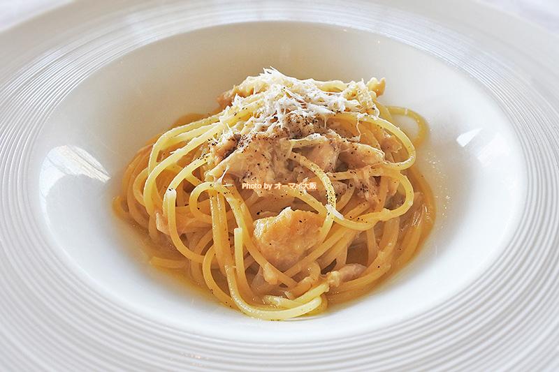 ベラコスタランチのスパゲッティは手羽先でした。