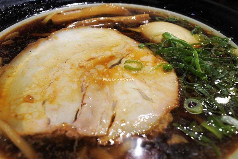 24時間営業の「金久右衛門 道頓堀店」。大好きな「大阪ブラック」がいつでも食べられます。