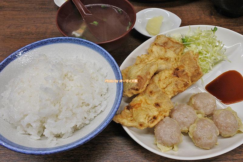 ライスの大盛りOK「一芳亭」の豚天定食です。