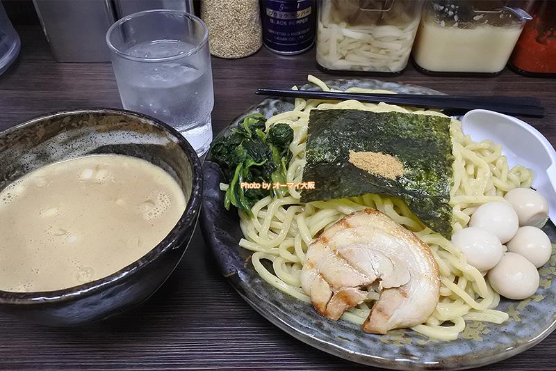 6回目のランチではじめて注文した「魂心家」のつけ麺です。