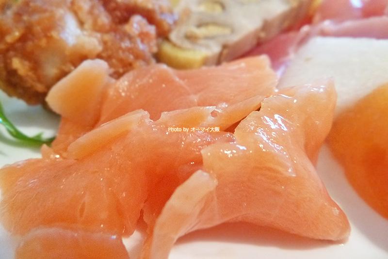 ホテル日航大阪「セリーナ」の食べ放題ランチは、補充が早いので、助かります。