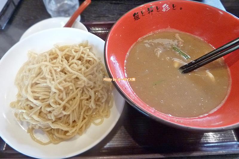 替え玉OKな「麺屋 彩々」。価格は150円です。