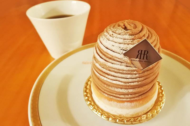 フランス製のマロンペーストをたっぷりと使った「メリッサ」のモンブランです。