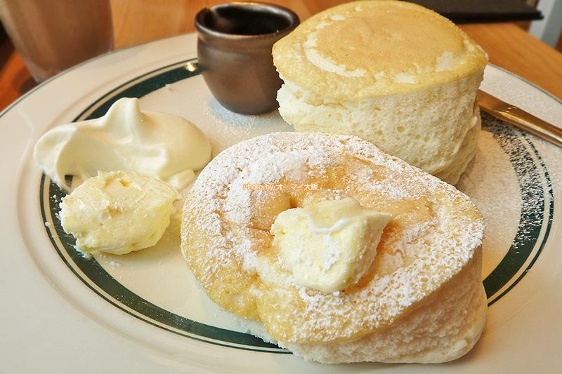 プレミアムパンケーキの食べ方は3つ。好みの食べ方を追求すると楽しいです。