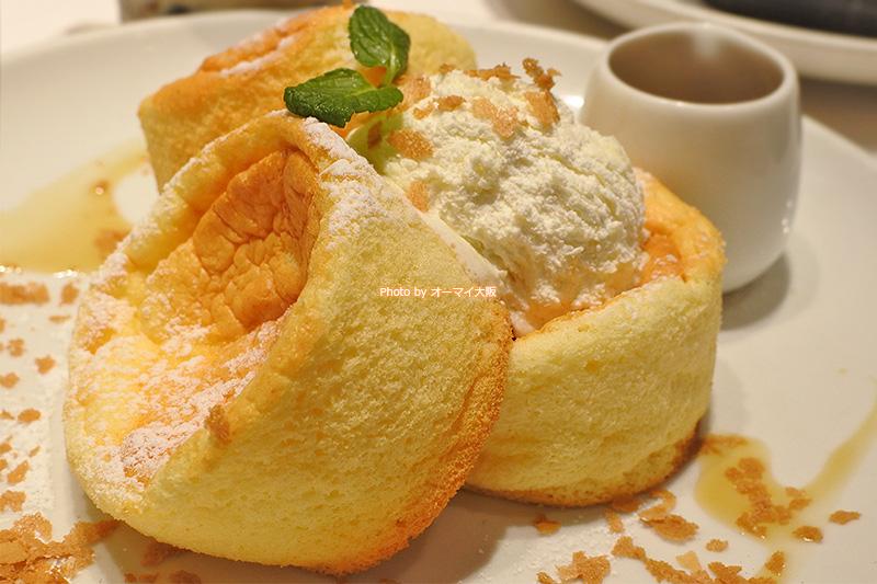 ホイップバターとメープルシロップで食べるパンケーキ。最近は、パンケーキにトッピングされているホイップバターに注目しています。
