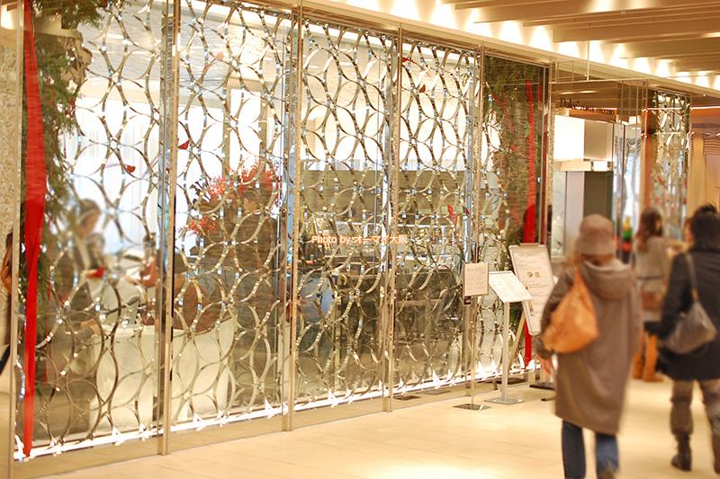 梅田のど真ん中にある「ドルチェ ポンテベッキオ」。梅田駅や大阪駅から気軽にアクセスできます。