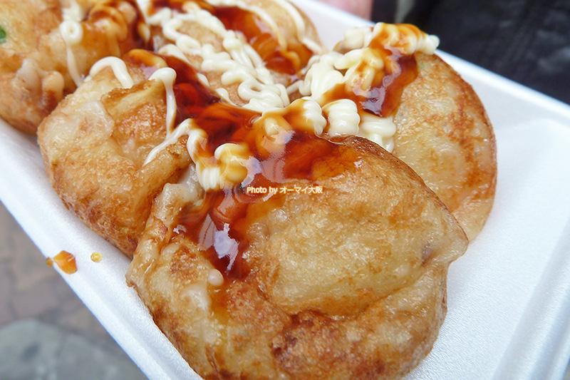大阪を代表する絶品たこ焼き「やまちゃん」。まずは、ソースとマヨネーズをかけた、たこ焼きがおすすめです。