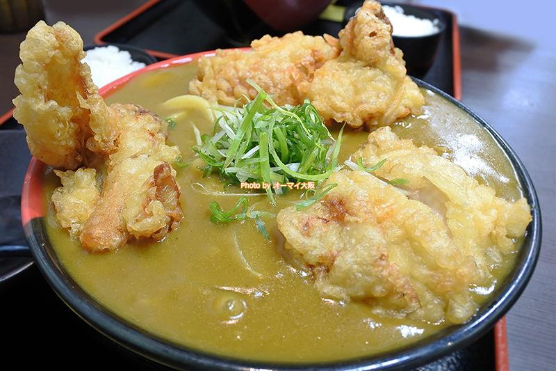 鶏の唐揚げが大きい「Ah-麺(あーめん)」の鶏天カレーうどんです。
