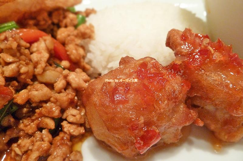 鶏肉のおいしさがタイ料理の魅力。女性に人気の「マンゴーツリーカフェ大阪」の唐揚げはめっちゃおいしいです。