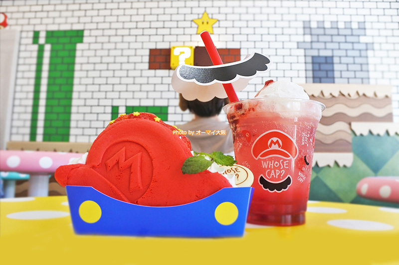 ビジュアルがめっちゃかわいい「マリオの帽子 いちごのショートケーキ」と「マリオのいちごクリームソーダ」です。