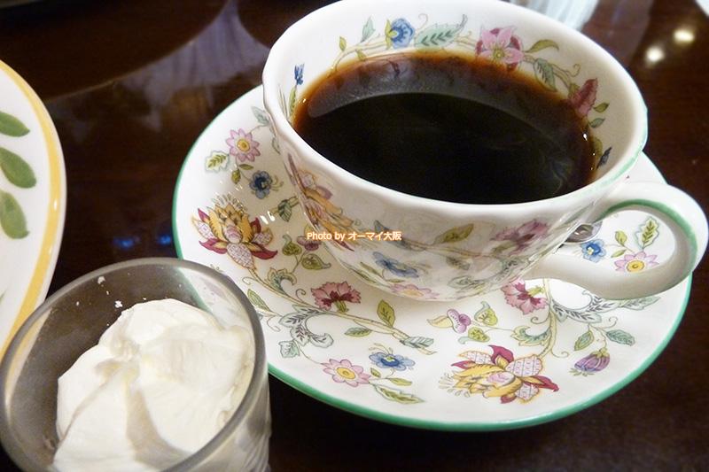 ウインナーコーヒーも喫茶店「蝸牛庵(かぎゅうあん)」の名物です。